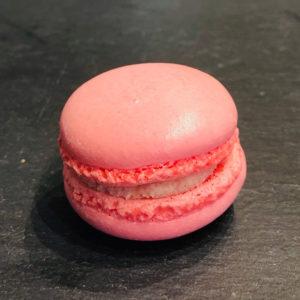 Erdbeer-Macaron aus der Konditorei Abessa aus Lübeck