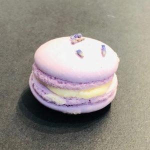 Orangen-Lavendel-Macaron