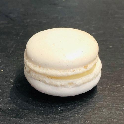 Vanille-Macaron aus der Konditorei Abessa aus Lübeck