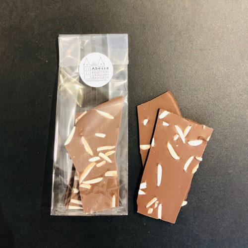Vollmilchschokolade mit Mandeln von Abessa aus Lübeck